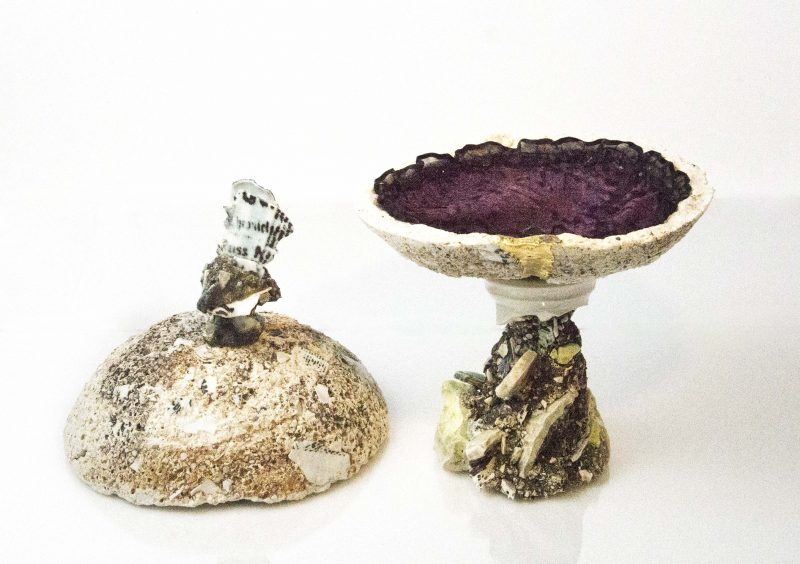 open ceramic jewelry box